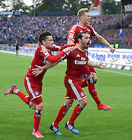 FUSSBALL   1. BUNDESLIGA   SAISON 2014/2015  RELEGATION  RUECKSPIEL  Karlsruher SC - Hamburger SV                              01.06.2015 Zoltan Stieber, Marcelo Diaz und Matthias Ostrzolek (v.l., alle  Hamburger SV) jubeln nach dem 1:1