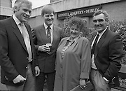 Canal Festival At Newry.  (R77)..1988..04.05.1988..05.04.1988..4th May 1988..Today saw the announcement of the details of the Guinness Canal Festival at Newry. The festival will incorporate the Ulster Final of the Rose of Tralee Contest. The festival, in its fourteenth year, promotes a warm friendly athmosphere with the emphasis on family entertainment. The Festival details were launched at the Guinness Reception Centre,Guinness Brewery, St James's Gate,Dublin...Image shows Mr Pat Barry, Corporate Affairs Manager,Guinness (2nd L) with members of the Newry Festival organising committee.