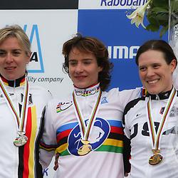 HUYBERGEN (NED) veldrijden <br />WK 2008-2009<br />Podium vrouwen Vos, Kupfernagel, Compton