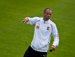 23.05.2010, AUT, FIFA Worldcup Vorbereitung, Training Kamerun im Bild Paul Le Guen, Trainer, Nationalteam Kamerun, FRA, EXPA Pictures © 2010, PhotoCredit: EXPA/ J. Feichter / SPORTIDA PHOTO AGENCY