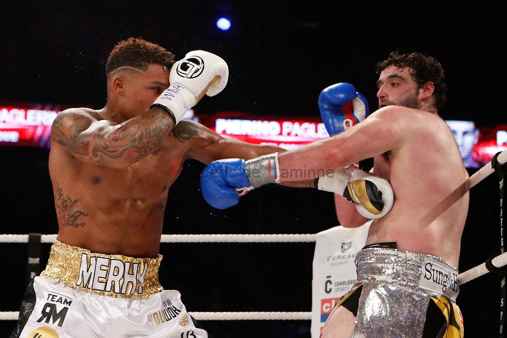 Combat Ryad Merhy (gants blancs) – Nick Kisner  lors du Gala de boxe Round 5 qui s'est déroulé à Charleroi (Spiroudome) le 16/12/2017.