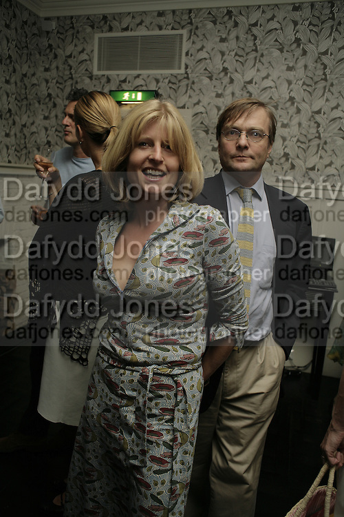 Rachel Johnson and Ivo Dawnay. The Sound of No Hands Clapping. Toby Young book launch. High Road House. Chiswick, London. 11 September 2006. ONE TIME USE ONLY - DO NOT ARCHIVE  © Copyright Photograph by Dafydd Jones 66 Stockwell Park Rd. London SW9 0DA Tel 020 7733 0108 www.dafjones.com