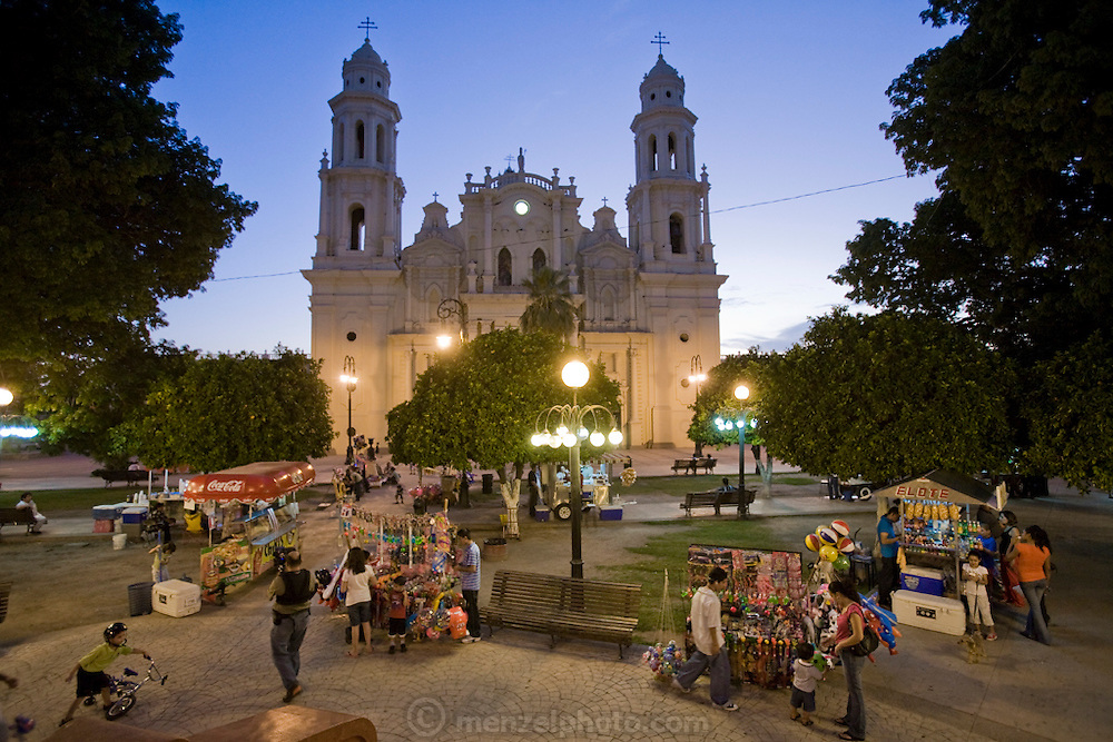 Vendors sell toys, trinkets, snacks,and refreshments in front of the cathedral in the main plaza in Hermosillo, Sonora, Mexico.