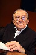 24 AUG 2005 RIMINI : MEETING'05, ANNUAL NATIONAL MEETING OF THE CATHOLIC ORGANIZATION COMUNIONE E LIBERAZIONE; GIULIO ANDREOTTI, SENATOR OF ITALIAN REPUBLIC, PRESENTING THE NEW BOOK OF JOURNALIST RENATO FARINA. © CARLO CERCHIOLI