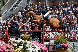 Estermann Paul, SUI, Lord Pepsi<br /> Grand Prix Longines - Ville de La Baule<br /> Longines Jumping International de La Baule 2017<br /> © Dirk Caremans<br /> Estermann Paul, SUI, Lord Pepsi