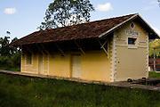 Mariana_MG, Brasil...Estacao ferroviaria de Furquim em Mariana...The  railroad depot Furquim in Mariana...Foto: LEO DRUMOND / NITRO