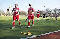 AMSTELVEEN - Hockey - Teleurstelling in de rust. Wedstrijd tussen de JH1 teams, jong senioren, tusssen de mannen van Myra en Rood Wit. (3-5).  COPYRIGHT KOEN SUYK