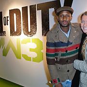 NLD/Amsterdam/20111107- Lancering Call of Duty MW3, Dio en partner Valentine