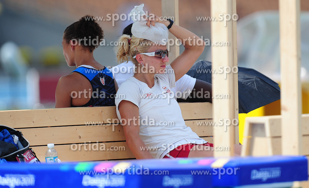 30.08.2011, Daegu Stadium, Daegu, KOR, IAAF, World Championships 2011, im Bild KAROLINA TYMINSKA, EXPA Pictures © 2011, PhotoCredit: EXPA/ Newspix/ MAREK BICZYK +++++ ATTENTION - FOR AUSTRIA/ AUT, SLOVENIA/ SLO, SERBIA/ SRB an CROATIA/ CRO, SWISS/ SUI and SWEDEN/ SWE CLIENT ONLY +++++