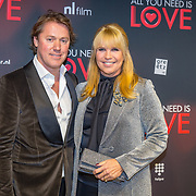 NLD/Amsterdam/20181126 - premiere All You Need Is Love, Linda de Mol en partner Jeroen Rietbergen