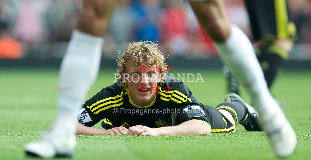 LONDON, ENGLAND - Sunday, April 17, 2011: Liverpool's Dirk Kuyt looks dejected during the Premiership match against Arsenal at the Emirates Stadium. (Photo by David Rawcliffe/Propaganda)