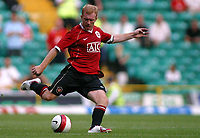 Photo: Paul Thomas.<br /> Glasgow Celtic v Manchester United. Pre Season Friendly. 26/07/2006.<br /> <br /> Paul Scholes in action for Manchester.