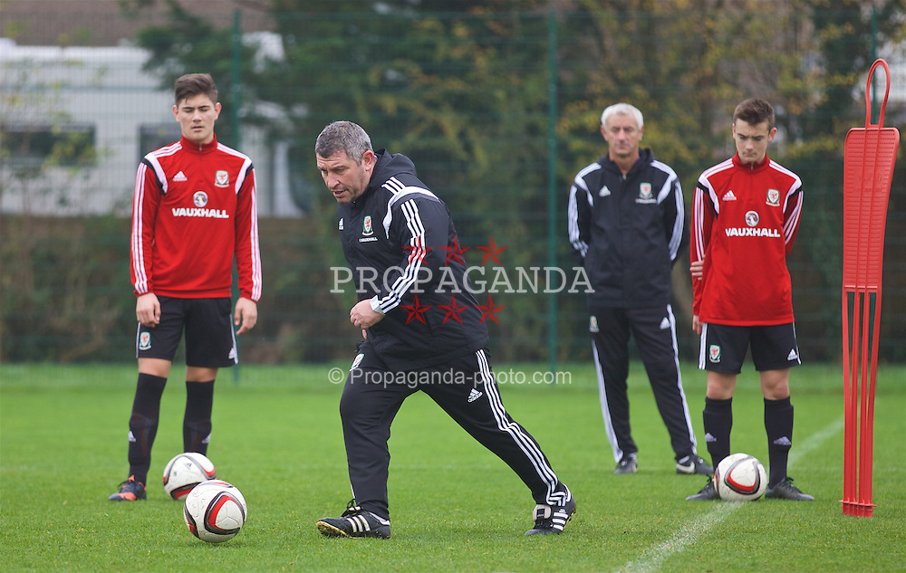 NEWPORT, WALES - Monday, November 2, 2015: Wales' head coach Osian Roberts during a training session ahead of the Under-16's Victory Shield International match at Dragon Park. (Pic by David Rawcliffe/Propaganda)