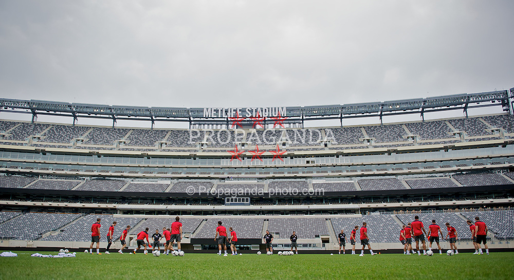 EAST RUTHERFORD, NEW JERSEY, USA - Saturday, May 26, 2012: Wales players during a training session at the MetLife Stadium ahead of the friendly match against Mexico. (Pic by David Rawcliffe/Propaganda)
