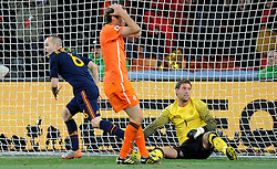 Il gol dell'1-0 di Andres Iniesta (Spagna).Andres Iniesta 's 1-0 leading goal scored for Spain.Allenamento dell'Olanda prima della finale - pre-final training session of Netherlands team.Campionati del Mondo di Calcio Sudafrica 2010 - World Cup South Africa 2010.Soccer City Stadium, Johannesburg 10/07/ 2010.© Giorgio Perottino / Insidefoto / SPORTIDA PHOTO AGENCY