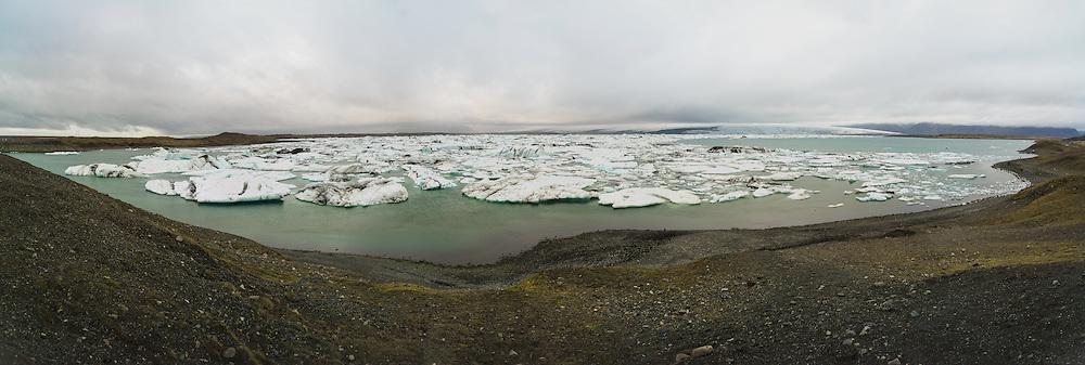 Panorama of Jokulsarlon Glacier Lagoon (Jökulsárlón), Vatnajokull (Vatnajökull), Iceland