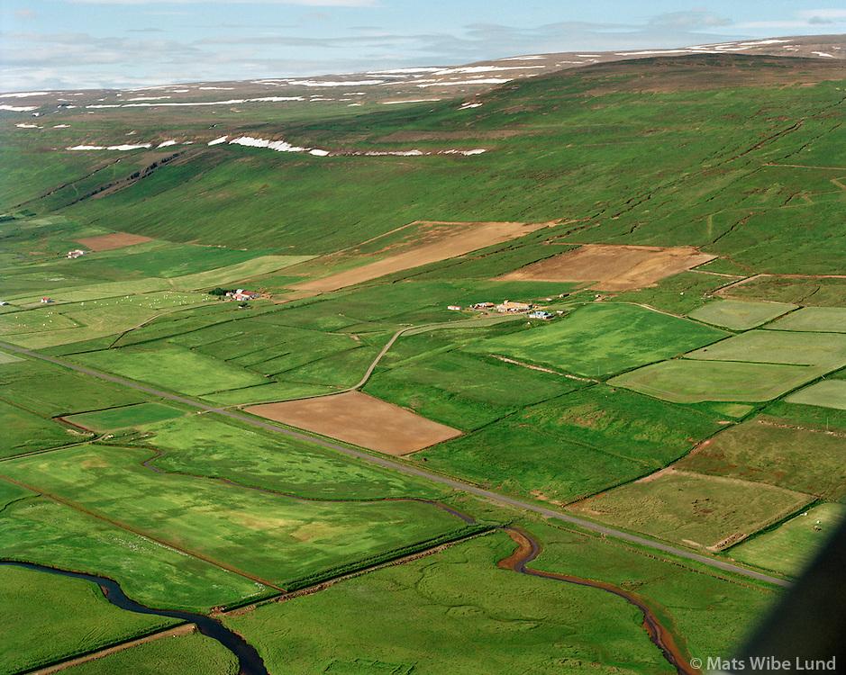 Háls, Garðshorn og Kvíaból seð til suðvesturs, Þingeyjarsveit áður Ljósavatnshreppur   /   Hals, Gardshorn and Kviabol viewing southwest, Thingeyjarsveit former  Ljosavatnshreppur.