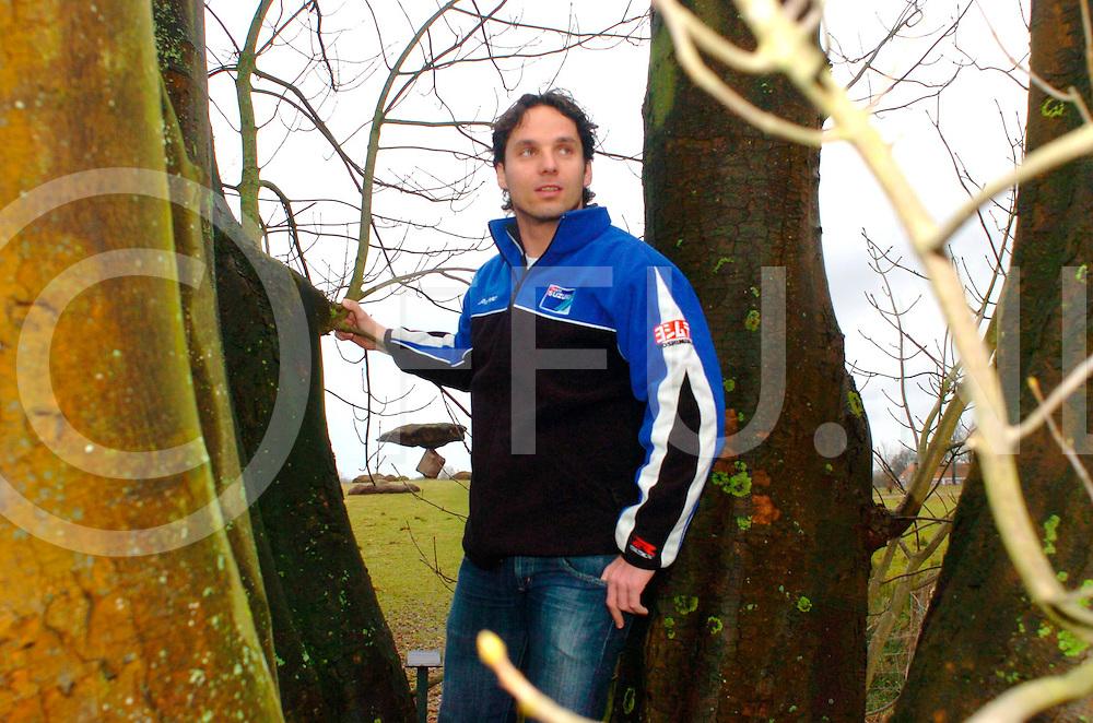 060215, dalfsen,ned<br /> Barry Veneman voor de Zwevende Kei.<br /> fotografie frank uijlenbroek&copy;2006 frank uijlenbroek