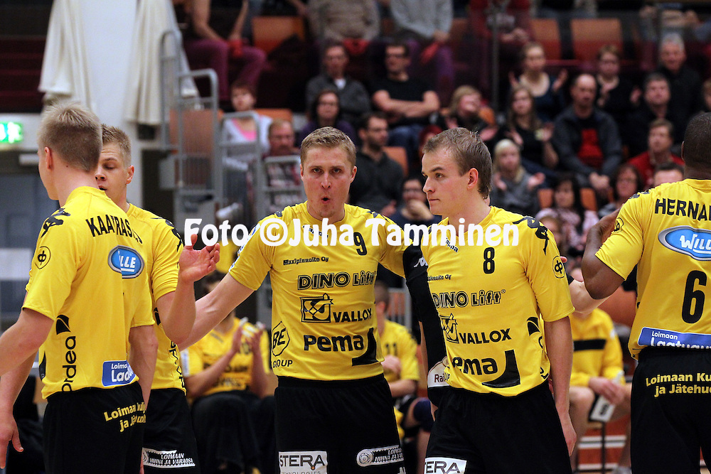 3.11.2011, Loimaa..Lentopallon Suomen Cup 2011-12, puolivlier..Hurrikaani Loimaa - Pielaveden Sampo.Ismo Moilanen & Jani Niskakangas - Hurrikaani