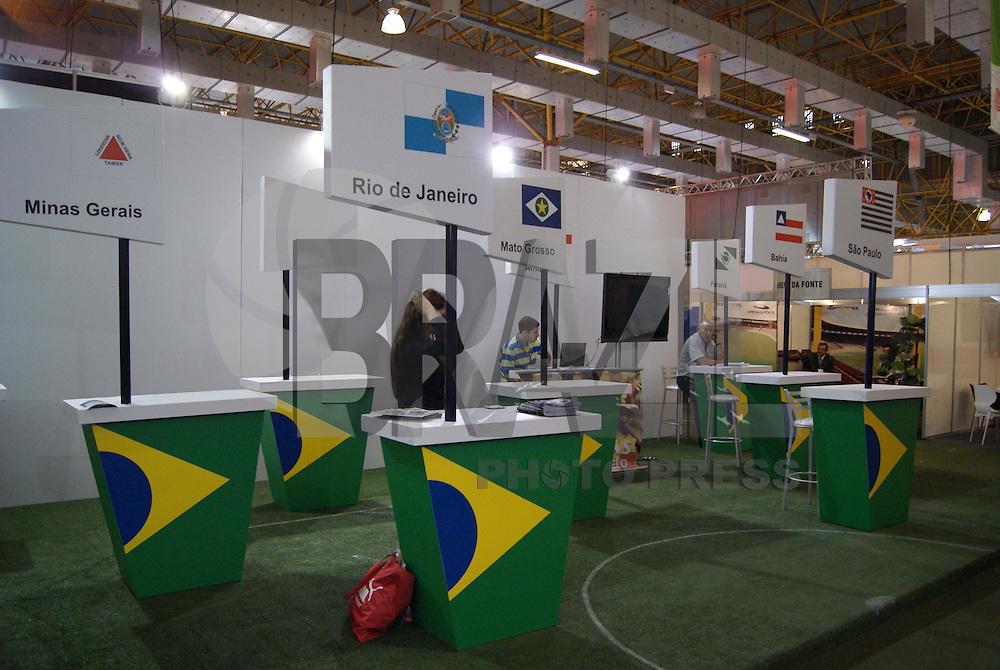 SÃO PAULO, SP, 20 DE NOVEMBRO DE 2009 - EXPO ESTÁDIO - A feira Expo Estádio é um evento dirigido os participantes na construção, expansão e gestão de estádios no Brasil, feira realizada no Expo Center Norte Pavilhão Amarelo. FOTO: VANESSA CARVALHO / BRAZIL PHOTO PRESS