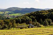 Heuernte, Landschaft, Fischbachtal, Odenwald, Hessen, Deutschland   hay making, landscape, Fischbachtal, Odenwald, Hesse, Germany
