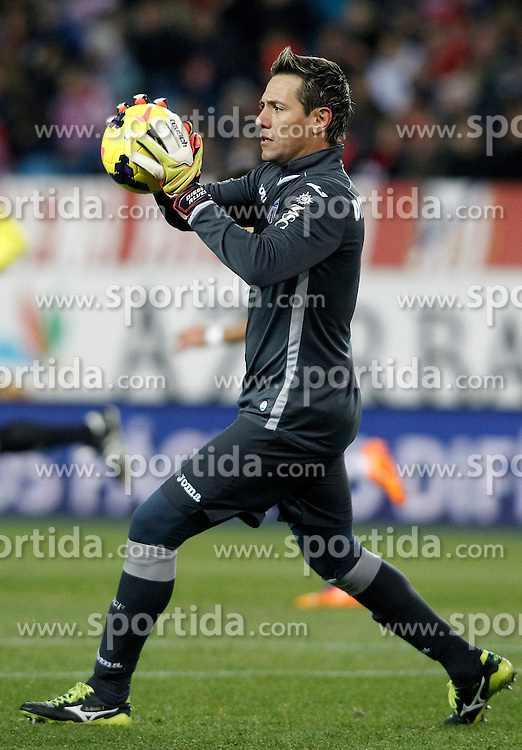 15.12.2013, Estadio Vicente Calderon, Madrid, ESP, Primera Division, Atletico Madrid vs FC Valencia, 16. Runde, im Bild Valencia's Diego Alves // Valencia's Diego Alves during the Spanish Primera Division 16th round match between Club Atletico de Madrid and Valencia CF at the Estadio Vicente Calderon in Madrid, Spain on 2013/12/15. EXPA Pictures &copy; 2013, PhotoCredit: EXPA/ Alterphotos/ Acero<br /> <br /> *****ATTENTION - OUT of ESP, SUI*****
