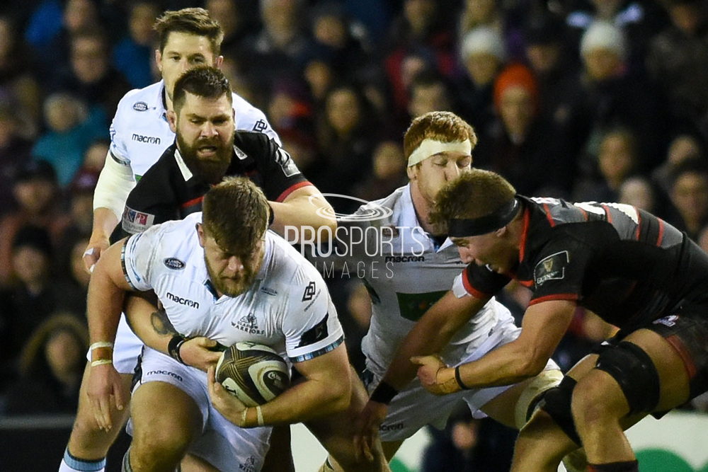 Zander Fagerson on the ball during the Guinness Pro 14 2017_18 match between Edinburgh Rugby and Glasgow Warriors at Murrayfield, Edinburgh, Scotland on 23 December 2017. Photo by Kevin Murray.