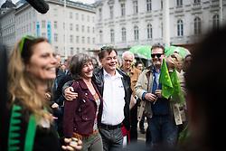 27.04.2019, Mariahilferstrasse, Wien, AUT, Die Grünen, Wahlkampfauftakt zur EU-Wahl. im Bild Gemeinderätin und Spitzenkandidatin der Wiener Grünen Birgit Hebein und EU-Spitzenkandidat Werner Kogler (Grüne) // during campaign opening of the Austrian Greens due to European Elections in Vienna, Austria on 2019/04/27. EXPA Pictures © 2019, PhotoCredit: EXPA/ Michael Gruber