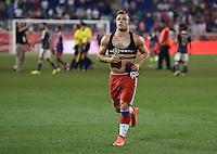 FUSSBALL  Saisonvorbereitung  2014/2015  Audi Football Summit in New Jersey  31.07.2014 FC Bayern Muenchen - Chivas Guadalajara       Xherdan Shaqiri (FC Bayern Muenchen) mit GP Sports-Set am Oberkoerper