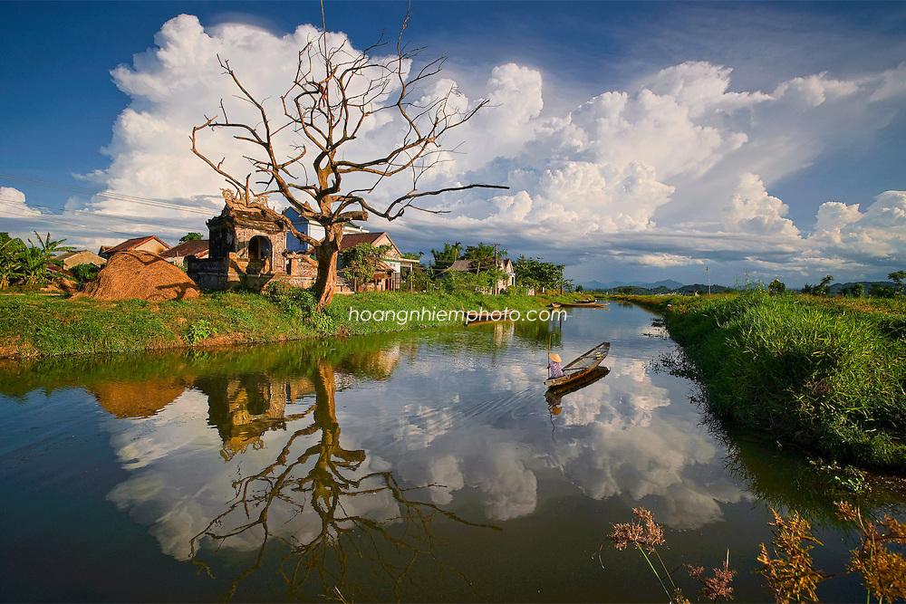 Vietnam Images-landscape-Reflection-Hue phong cảnh việt nam
