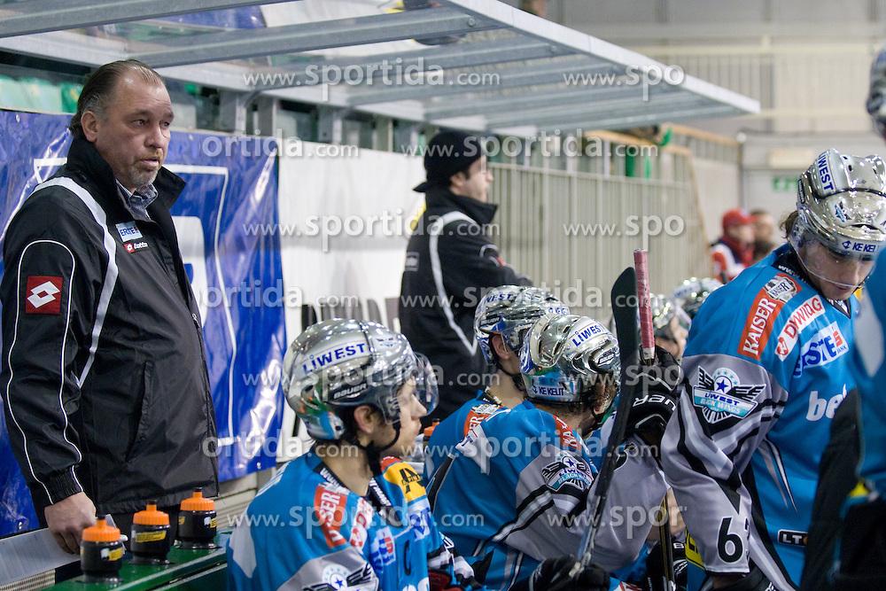 Head Coach of EHC Liwest Black Wings Linz Kim Collins during ice-hockey match between HDD Tilia Olimpija and EHC Liwest Black Wings Linz in 37th Round of EBEL league, on Januar 9, 2011 at Hala Tivoli, Ljubljana, Slovenia. (Photo By Matic Klansek Velej / Sportida.com)