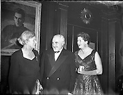 04/01/1956<br />