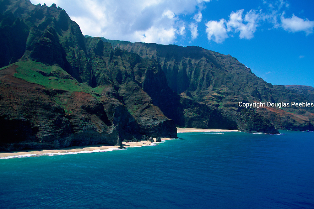 Honopu Beach &amp; Valley, Napali Coast, Kauai, Hawaii,  USA<br />
