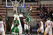 DESCRIZIONE : Roma Lega A 2014-15 <br /> Acea Virtus Roma - Sidigas Avellino <br /> GIOCATORE : Adrian Banks<br /> CATEGORIA : controcampo penetrazione sequenza schiacciata tecnica <br /> SQUADRA : Sidigas Avellino <br /> EVENTO : Campionato Lega A 2014-2015 <br /> GARA : Acea Virtus Roma - Sidigas Avellino <br /> DATA : 04/04/2015<br /> SPORT : Pallacanestro <br /> AUTORE : Agenzia Ciamillo-Castoria/GiulioCiamillo<br /> Galleria : Lega Basket A 2014-2015  <br /> Fotonotizia : Roma Lega A 2014-15 Acea Virtus Roma - Sidigas Avellino