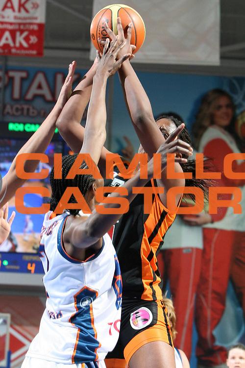 DESCRIZIONE : Mosca Moscow Region Eurolega Donne Euroleague Women Final Four 2007 Semifinal Bourges Basket-Ros Casares Valencia<br /> GIOCATORE : Miyem<br /> SQUADRA : Bourges Basket<br /> EVENTO : Mosca Moscow Region Eurolega Donne Euroleague Women Final Four 2007<br /> GARA : Bourges Basket Ros Casares Valencia<br /> DATA : 30/03/2007 <br /> CATEGORIA : Tiro<br /> SPORT : Pallacanestro <br /> AUTORE : Agenzia Ciamillo-Castoria/E.Castoria<br /> Galleria : Euroleague Women Final Four 2007<br /> Fotonotizia : Mosca Moscow Region Eurolega Donne Euroleague Women Final Four 2007 Semifinal Semifinal Bourges Basket-Ros Casares Valencia<br /> Predefinita :