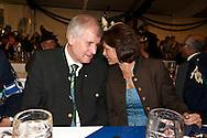 Ministerpraesident von Bayern Horst Seehofer (CSU) und Bundesministerin fuer Ernaehrung, Landwirtschaft und Verbraucherschutz Ilse Aigner (CSU) bei der Eröffnung des Berliner Oktoberfestes am Mittwoch 15.09.2010 in Berlin..[ CREDIT: Henning Schacht / www.berlinpressphoto.de  (c) Henning Schacht - Leuthener Str.  1 - 10829 Berlin - phone +49-30-78705770 - info@berlinpressphoto.de  - Veroeffentlichung nur gegen Honorar gemaess MFM plus 7% Mwst, Urhebervermerk und Beleg - No Model Release] .