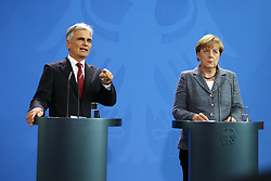 15.09.2015, Bundeskanzleramt, Berlin, GER, Flüchtlingskrise in der EU, Gipfeltreffen Deutschland und Oesterreich, im Bild // attend a joint press conference following talks about the refugee crisis at the Bundeskanzleramt in Berlin, Germany on 2015/09/15. EXPA Pictures © 2015, PhotoCredit: EXPA/ Eibner-Pressefoto/ Hundt<br /> <br /> *****ATTENTION - OUT of GER*****