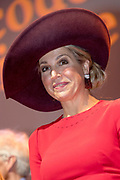 Koningin Maxima woont in het Koninklijk Instituut voor de Tropen de lancering bij van het Oncode Institute, een onafhankelijk virtueel instituut waarin kankeronderzoekers in Nederland zich verenigen. <br /> <br /> Queen Maxima attends the launch of the Oncode Institute at the Royal Tropical Institute, an independent virtual institute in which cancer researchers in the Netherlands unite.