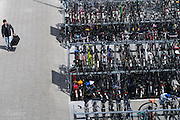 De fietsenstalling bij station Delft.<br />