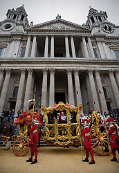 © under license to London News pictures. 13/11/2010 THE LORD MAYORS SHOW 2010... The Lord Mayor of London Michael Bear following in the footsteps of his predecessors and embarking on his first procession from Mansion House to St Paul's Cathedral.  Photo credit should read: London News Pictures/LNP
