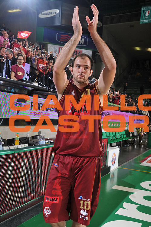DESCRIZIONE : Treviso Lega A 2011-12 Umana Venezia Fabi Schoes Montegranaro<br /> GIOCATORE : Szymon Szewczyk<br /> CATEGORIA :  Esultanza<br /> SQUADRA : Umana Venezia Fabi Schoes Montegranaro<br /> EVENTO : Campionato Lega A 2011-2012<br /> GARA : Umana Venezia Fabi Schoes Montegranaro<br /> DATA : 30/10/2011<br /> SPORT : Pallacanestro<br /> AUTORE : Agenzia Ciamillo-Castoria/M.Gregolin<br /> Galleria : Lega Basket A 2011-2012<br /> Fotonotizia :  Treviso Lega A 2011-12 Umana Venezia Fabi Schoes Montegranaro  <br /> Predefinita :