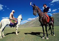 Pakistan, Le Polo des Rois, Tournoi de Polo le plus haut du monde au col de Shandur à 3800 m d'altitude entre les anciens royaumes de Chitral et de Gilgit, Matchs d'entrainement et d'aclimatation à l'altitude // Pakistan, Khyber Pakhtunkhwa, polo tournament at Shandur Pass at an altitude of 3800 m between Chitral and Gilgit team