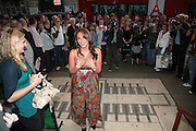 Michelle Heaton, Cast change for Wicked. Apollo Victoria theatre. After party at Park Plaza Victoria. 12 April 2007.  -DO NOT ARCHIVE-© Copyright Photograph by Dafydd Jones. 248 Clapham Rd. London SW9 0PZ. Tel 0207 820 0771. www.dafjones.com.