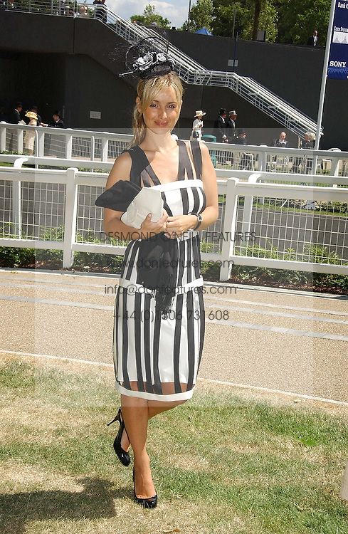 LOUISE REDNAPP at the 3rd day - Ladies Day of Roayl Ascot 2006 on 22nd June 2006.<br /><br />NON EXCLUSIVE - WORLD RIGHTS