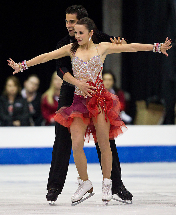 GJR375 -20111028- Mississauga, Ontario,Canada-  Anna Cappellini  and  Luca Lanotte of Italy skate their short program in the ice dance competition at Skate Canada International, in Mississauga Ontario, October 28, 2011.<br /> AFP PHOTO/Geoff Robins