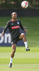 09.08.2010. Arsenal Training Ground, London, ENG, Nationalteam England Training, im Bild Ashley Cole laughs as he trains, EXPA Pictures © 2010, PhotoCredit: EXPA/ IPS/ Mark Atkins *** ATTENTION *** UK ..AND FRANCE OUT! / SPORTIDA PHOTO AGENCY