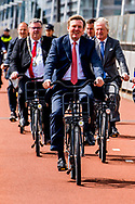 13-6-2017 NIJMEGEN Koning Willem-Alexander opent dinsdagochtend 13 juni 2017 in Nijmegen de Global Cycling Summit: Velo-city 2017. Het congres staat in het teken van kennisdeling en -uitwisseling over fietsinfrastructuur, fietsbeleid en duurzame mobiliteit. Het meerdaagse congres wordt georganiseerd door de steden Arnhem en Nijmegen in samenwerking met de European Cyclists&rsquo; Federation (ECF) en de provincie Gelderland. COPYRIGHT ROBIN UTRECHT <br /> <br /> 13-6-2017 NIJMEGEN King Willem-Alexander opens the Global Cycling Summit in Veluwe-city 2017 in Nijmegen on Tuesday, 13 June 2017. The conference is about knowledge sharing and exchange of cycling infrastructure, bicycle policy and sustainable mobility. The multi-day conference is organized by the cities of Arnhem and Nijmegen in cooperation with the European Cyclists' Federation (ECF) and the province of Gelderland. COPYRIGHT ROBIN UTRECHT