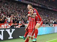 FUSSBALL CHAMPIONS LEAGUE SAISON 2017/2018 HALBFINALE HINSPIEL FC Bayern Muenchen - Real Madrid         25.04.2018 JUBEL FC Bayern Muenchen; Torschuetze zum 1-0 Joshua Kimmich (li) und James Rodriguez