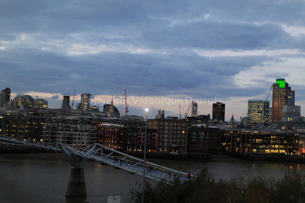 along the Thames, London, England // le bord de la tamise, Londres, Angleterre