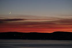 Sunset with moon,<br /> <br /> <br /> &copy; Foto Dag W. Grundseth <br /> Bildet m&aring; ikke publiseres i noen form, elektronisk eller p&aring; trykk uten avtale med fotograf.<br />  2017